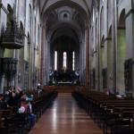 Vo vnútri katedrály